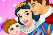 Play Snow White And Prince Care Newborn Princess